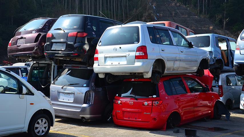 もぎ取り車両置き場